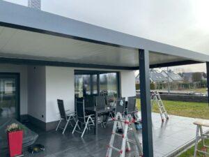 Lamellendach Terrasse 9 m breit